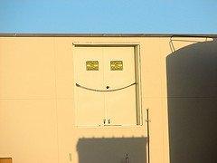 000071_happy_door_jpg